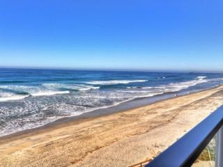Beachfront Condo, Oceanside