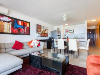 Beach front 3 bed condo in Plaza Kukulkan area, Cancun