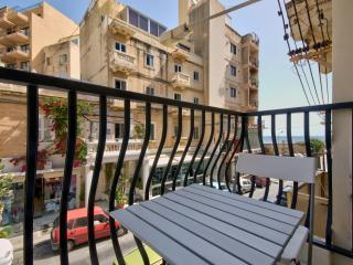 Cosy and Bright Apartment, Saint Julian's