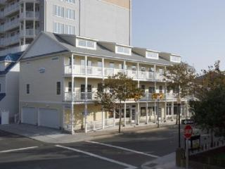 OCEAN SIDE Townhome in Downtown Ocean City