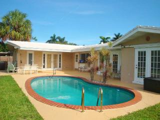 Family-Oriented Four Bedroom Tropical Pool Home, Fort Lauderdale