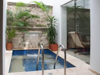 4 Bedroom Old City Beautiful House, Cartagena