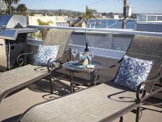 Bayside Home with Rooftop Deck. Sunrise & Sunset Views., San Diego