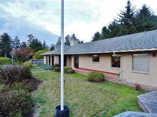 'Coastal Dunes Getaway' - Picturesque 3BR North Bend Home w/ Private Hot Tub Overlooking Oregon Dunes National Recreation Area
