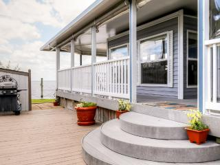 Quaint 1BR Virginia Beach RV Home w/Private Deck & Fantastic Community Amenities - Unbeatable Waterfront Location Within Walking Distance of the Beach!