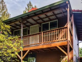 New Listing! Cozy & Peaceful 1BR Forest Grove Apartment w/Fire Pit & Private Balcony Overlooking Gales Creek - Easy Access to the Beach, Downtown Portland, Wineries & Much More!