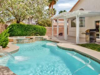 Stylish 5BR Henderson House w/Private Outdoor Swimming Pool, Wifi & Brand New Furnishings - Only 15 Minutes from the Las Vegas Strip!