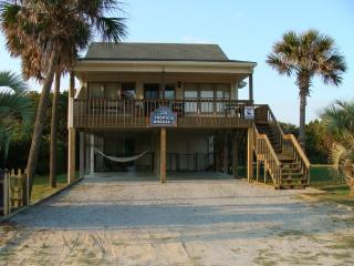 Tropical Breeze Oceanview Beach House-Dog Friendly, Oak Island