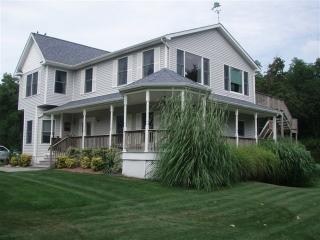 Spacious Home with Waterviews, Pool & Hot Tub, Orient