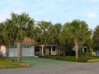 Big 5 Bedroom Beach House with Pool, Jacuzzi, and Game Room, Panama City Beach