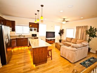 The 'Top End Townhomes!' Great Views On Roof Deck!, Atlantic City