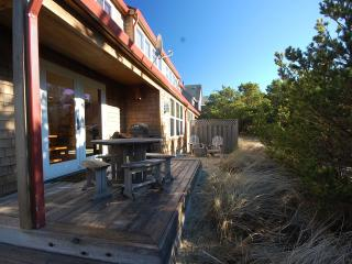 Family friendly (pets too)! Immediate beach access, Pacific City