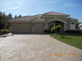 Waterfront Home with Heated Pool,Gulf Access, Cape Coral