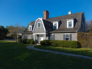 New Listing! Pristine & Secluded 4BR Southampton House w/Wifi, Private Pool & Beautiful Garden - Walking Distance from Shops, Restaurants & the Beach!