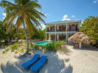 5bd Luxurious Beach House with Pool & Caring Staff, San Pedro