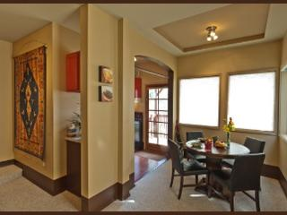 The convenience of home near downtown Seattle!
