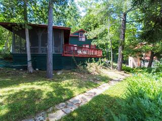"""Bunk House"" Serene 4BR Hague Cottage on Lake George w/Small Beach, Private Dock & Wifi - Less Than 1 Mile from Downtown Hague!"