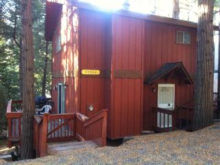Cute cabin nestled in the pines., Crestline