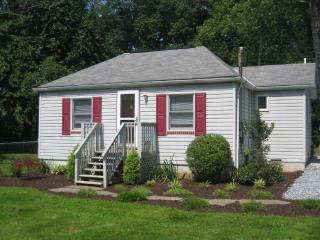 Cottage near Harrisburg Hershey Pet Friendly Creek, Mechanicsburg