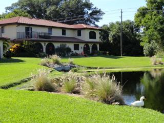 Warm, cozy 2.5 miles from the beach, Bonita Springs