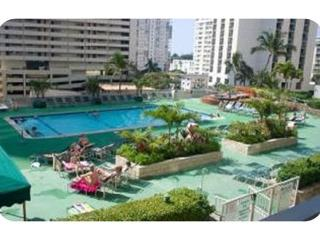 Pool View Waikiki Banyan Suite 707 In Tower 1, Honolulu