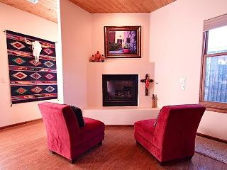 Beautiful Inviting Condo in Heart of Santa Fe