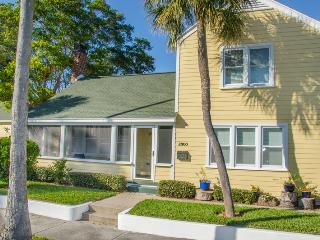 Charming St. Petersburg Colonial Home w/Gourmet Kitchen, Wifi & Beautiful Backyard - 1 Block from the Beach, Near Shops, Restaurants & Nightlife!