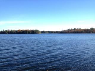 Charming Lakefront Cabin, Great View, Private Dock, Winthrop