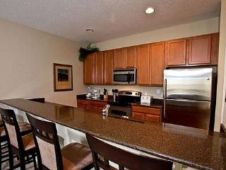 4 Bedrooms, 3 Baths Townhome with Private Pool, Kissimmee