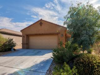 New Listing! Cheerful 3BR Las Vegas House w/Wifi, Private Patio & Delightful Porch Swing - Fantastic Location! Minutes from the Strip, Dining, Golfing & Major Casinos!