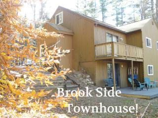 Family Comfort! STORYLAND-ShopHikeGolf- DEALS-4br!, Bartlett