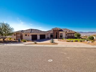 MINI MANSION 3300 SF (NEAR LAKE, RIVER, CASINOS), Bullhead City