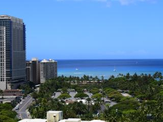 Luxury, ocean view studio in Royal Garden hotel, Honolulu