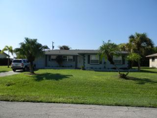 House with Large Heated Pool, Cape Coral