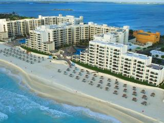 Beachfront hotel in central Cancun