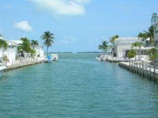 Tropical Blue Adventure Waterfront at Venture Out, Cudjoe Key