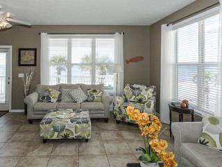 **Newly Remodeled**  Laguna Breeze, Panama City Beach