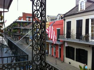 Beautiful & comfortable 2BR in the heart of it all, New Orleans