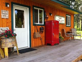 Cute Cabin 10 Minutes from Silverwood, Athol
