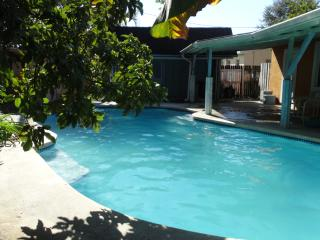 Margate vacation house with private swimming pool