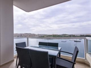 Astounding Views Tigne Seafront 4-bedroom Apt, Sliema