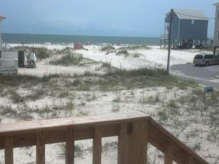 AMAZING VIEW AND BEACH ACCESS!, Fort Morgan