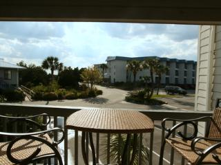 Seaside Getaway - Great for the family ! KING bed, Tybee Island