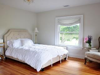 5 Bedrooms 4.5 Bathrooms Available, Westhampton Beach