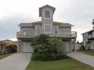 Ocean Lighthouse, 4 Bedrooms/3 Baths, Pet Friendly, Saint Augustine Beach