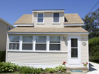 Beautifully Renovated Beach Cottage, Old Lyme