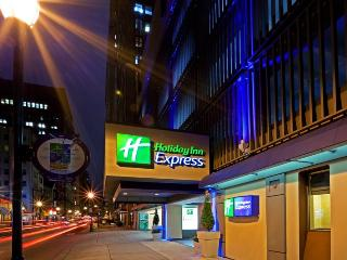 Homey Holiday Inn Express Philadelphia Midtown