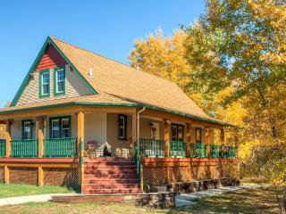 New Listing! Inviting 6BR Red Lodge House w/Private Wraparound Deck, Gas Grill & Spectacular Mountain Views - Easy Access to Rock Creek's Abounding Outdoor Recreation! Walk to Town!