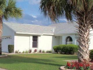 Spectacular Pool Home only 4 miles to Disney, Kissimmee