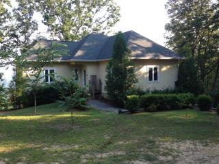 3BR Little River Canyon Home on 10 Acres w/ Stunning, Sweeping Mountain Views - Experience Complete Privacy!, Gaylesville